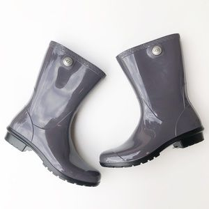 NWOB UGG | Sienna Sheepskin Lined Purple Rain Boot